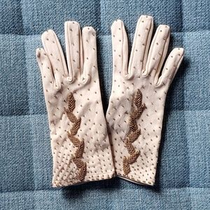 🎉💄TAKE IT SALE💋🥂Hand Beaded Vintage Gloves